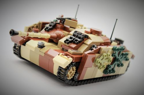 "Custom ""Camo"" WWII StuG III Ausf. G out of LEGO® bricks"