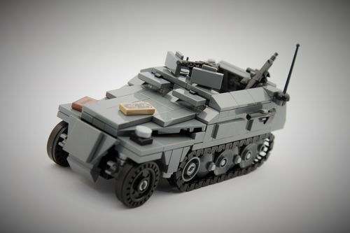 Custom WWII SdKfz 250 late out of LEGO® bricks